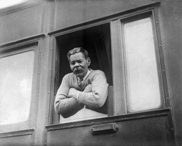 Пісьменнік Максім Горкі, які вярнуўся з Італіі ў СССР. 28 траўня 1928 года. - Sputnik Беларусь