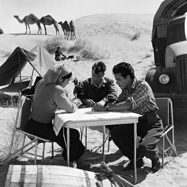 Лагер навуковых работнікаў у пясках Каракумаў. Туркменская ССР, 1953 года. - Sputnik Беларусь