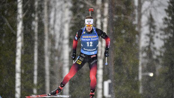 Норвежский биатлонист Стурла Холм Легрейд  - Sputnik Беларусь