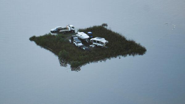 Районы, пострадавшие от наводнения, видны с вертолета в районах Виндзор и Питт-Таун вдоль реки Хоксбери - Sputnik Беларусь