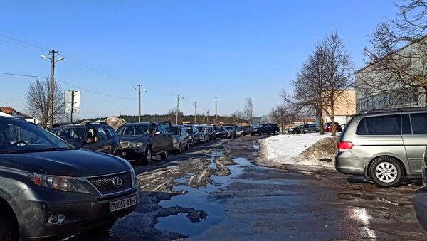 Очереди на станциях техосмотра в Минске - Sputnik Беларусь