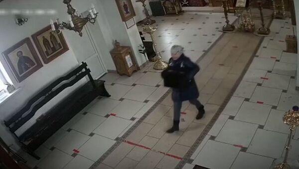 Нетрезвая белоруска украла мощи из церкви в Смоленске - Sputnik Беларусь