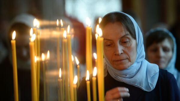 Верніца падчас набажэнства ў свята Дабравешчання Прасвятой Багародзіцы - Sputnik Беларусь