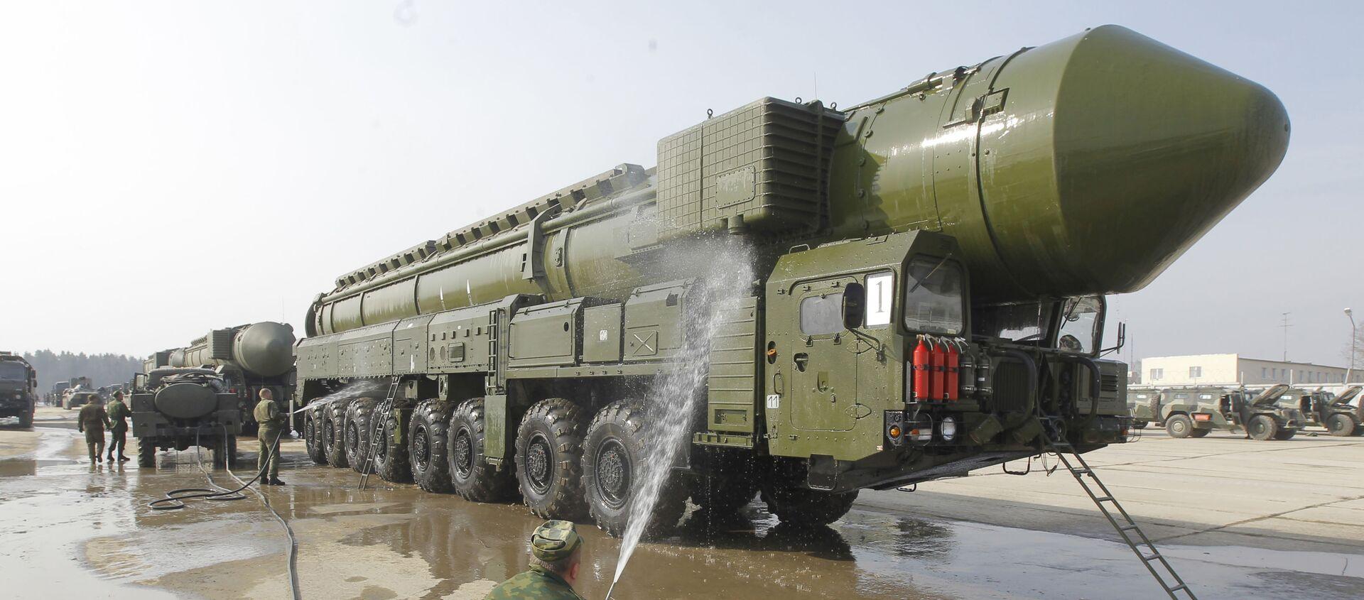 Дэманстрацыя ракетнага комплексу Тополь-М - Sputnik Беларусь, 1920, 07.04.2021