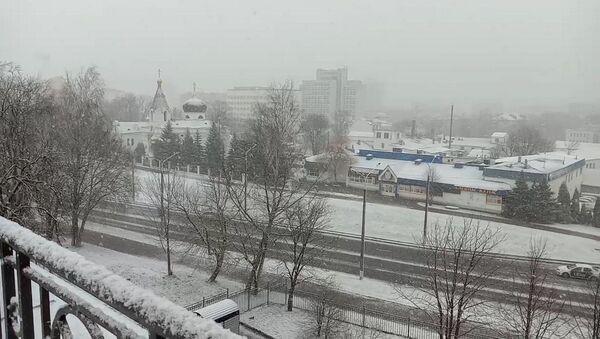 Апрельский снегопад и ДТП: Минск стоял в пробках - Sputnik Беларусь