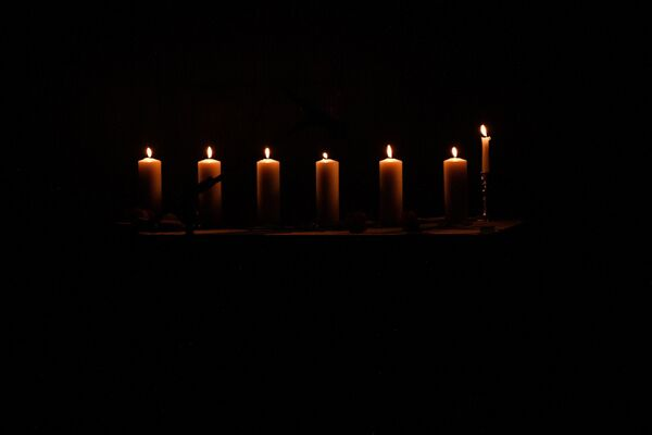 Символические семь свечей - Sputnik Беларусь