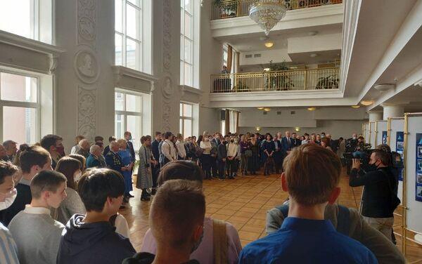 Выставка ко Дню космонавтики начала свою работу в Доме Москвы - Sputnik Беларусь