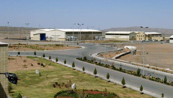 Вид на завод по обогащению урана в Натанзе в 250 км к югу от столицы Ирана Тегерана - Sputnik Беларусь