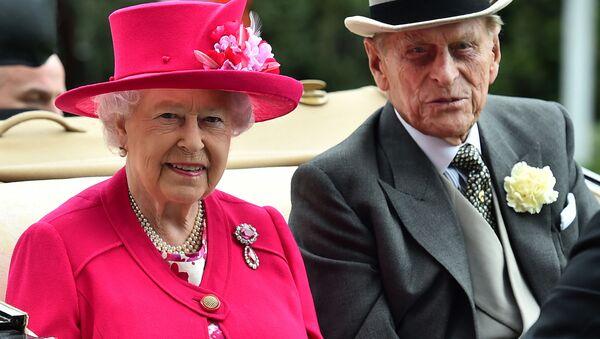 Королева Елизавета II и принц Филипп - Sputnik Беларусь