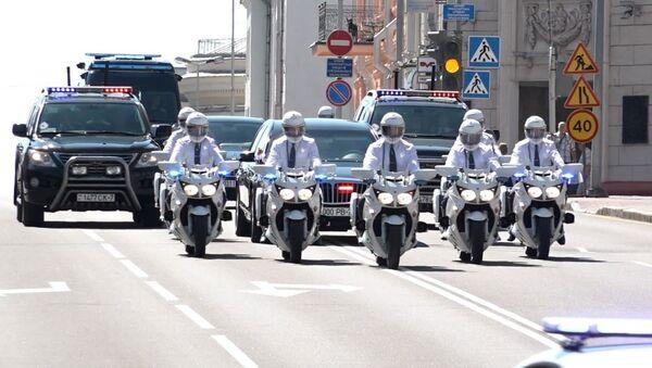 Мотопатрули начали работать на дорогах Беларуси – видео  - Sputnik Беларусь