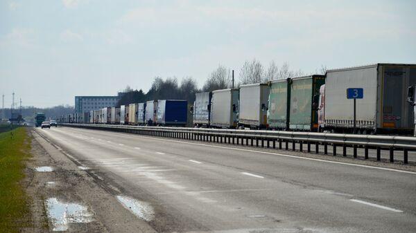 Очередь на границе - Sputnik Беларусь