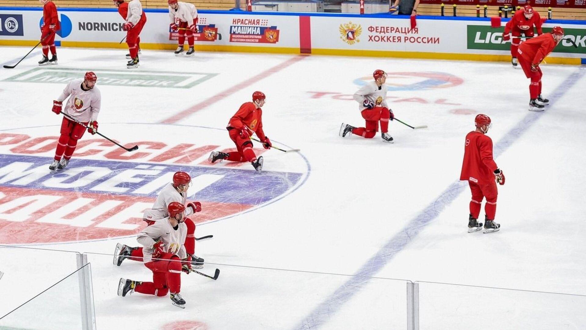 Сборная Беларуси по хоккею потерпела поражение от команды России в матче Еврочелленджа - Sputnik Беларусь, 1920, 23.04.2021