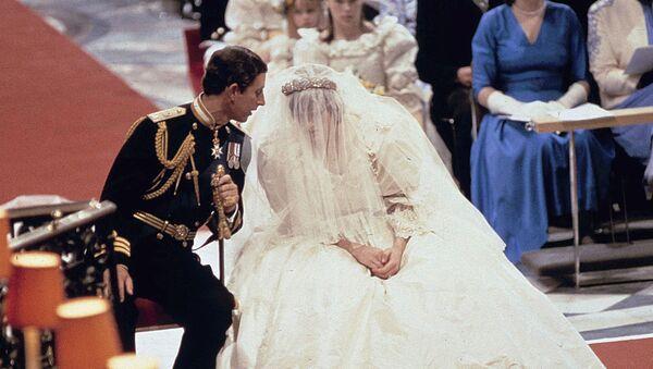 Свадьба принца Чарльза и принцессы Дианы - Sputnik Беларусь