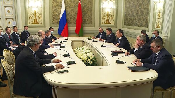 Двусторонняя интеграция: встреча Мишустина и Головченко в Казани – видео - Sputnik Беларусь