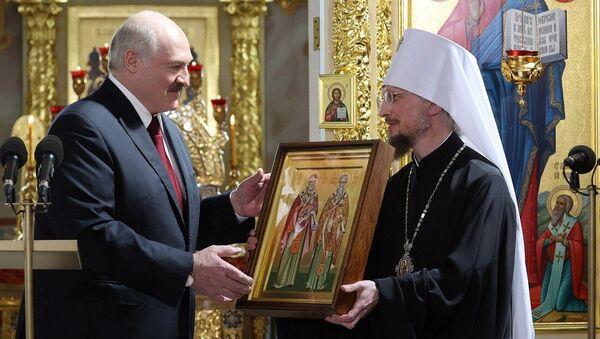 Лукашенко поблагодарил БПЦ за мужество и стойкость - Sputnik Беларусь