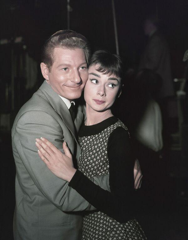 Одри Хепберн и Дэнни Кей на съемках фильма Сабрина (1954). - Sputnik Беларусь