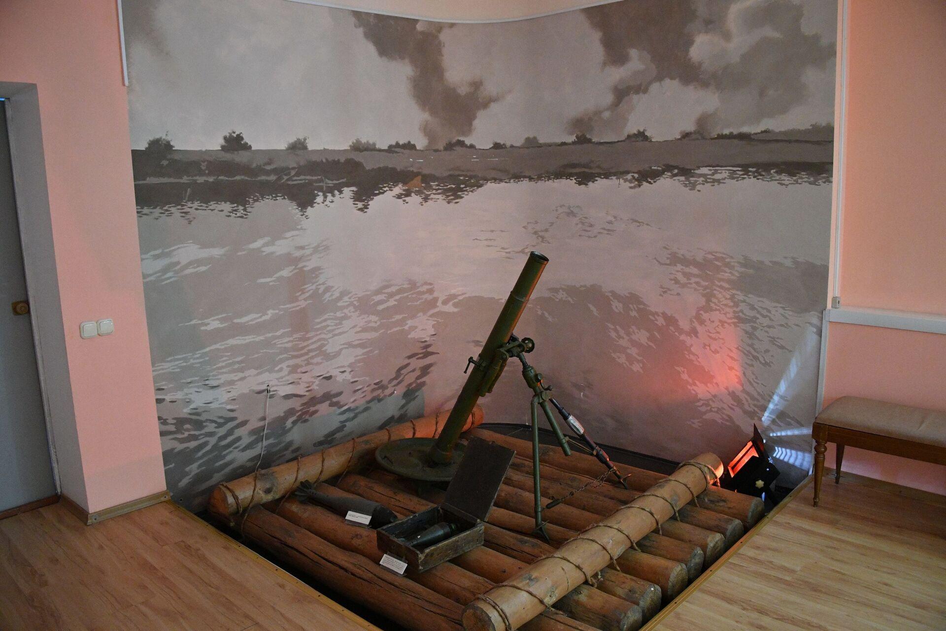 Макет плота, на котором бойцы форсировали Днепр - Sputnik Беларусь, 1920, 29.06.2021