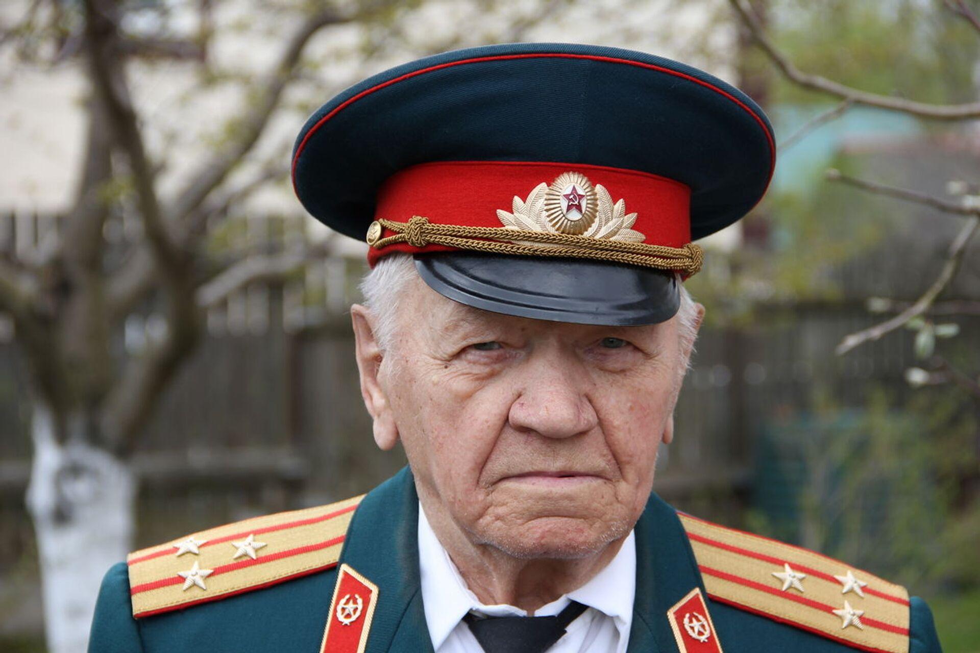 Через два года после начала войны 18-летний тогда Виктор Никифорович уже был на фронте - Sputnik Беларусь, 1920, 29.06.2021