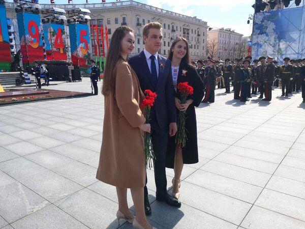 Младший сын стал заметной фигурой во время торжеств на площади Победы 9 мая 2021 года. - Sputnik Беларусь