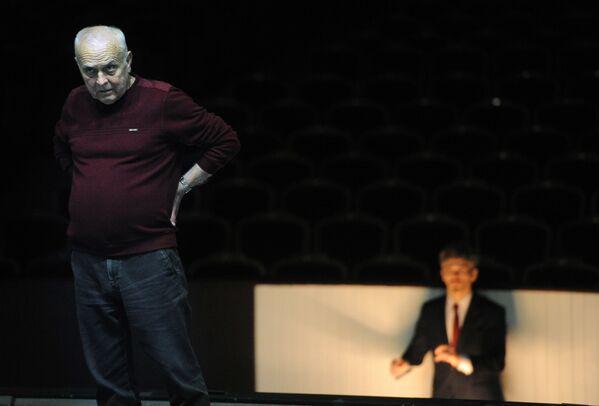 Напярэдадні прэм'еры абноўленага балета маэстра Елізар'еў прызнаваўся, што даўно рыхтаваўся да гэтай працы, даследаваў гістарычныя матэрыялы, уздымаў архівы, імкнучыся сабраць усё лепшае за гісторыю гэтага спектакля і стварыць больш адзіную матэрыю. - Sputnik Беларусь