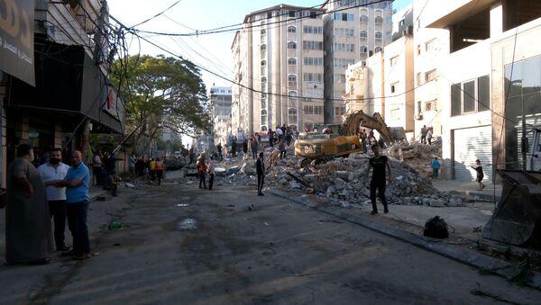 Удары по Газе: жертвами атаки по жилому району стали более 20 человек – видео  - Sputnik Беларусь