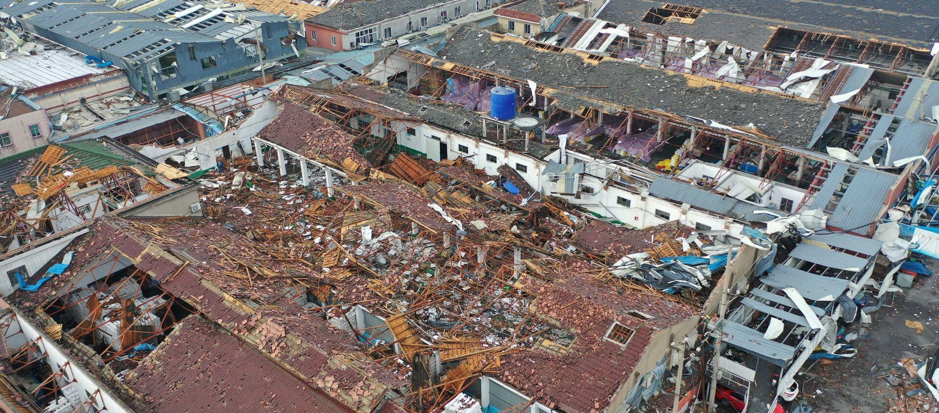 Поврежденные ураганом здания в Китае - Sputnik Беларусь, 1920, 16.05.2021