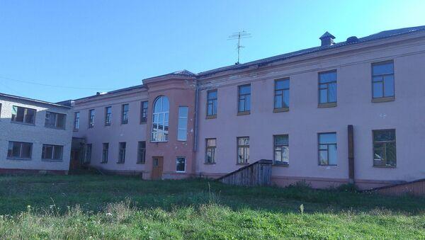 Здания бывшего детского дома в г. п. Езерище - Sputnik Беларусь