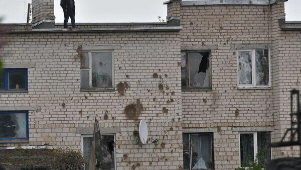 При катастрофе выбило стекла в окнах на первом и втором этаже жилого дома - Sputnik Беларусь