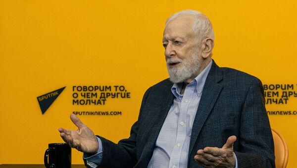 Анатолий Альштейн, вирусолог, доктор медицинских наук, член Нью-Йоркской академии наук - Sputnik Беларусь