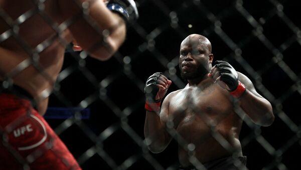 Боец тяжелого дивизиона UFC Деррик Льюис - Sputnik Беларусь