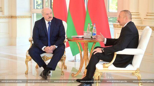 Президенты Беларуси и Азербайджана Александр Лукашенко и Ильхам Алиев - Sputnik Беларусь