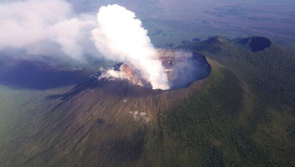 Самый опасный вулкан: как Ньирагонго разрушил жизнь тысяч человек – видео  - Sputnik Беларусь