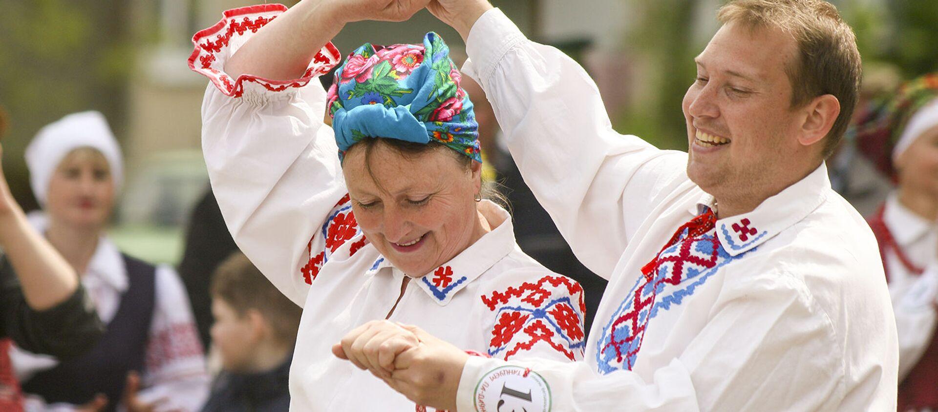 Фестываль-свята побытавых танцаў Танцуем па-даўнейшаму - Sputnik Беларусь, 1920, 25.05.2021