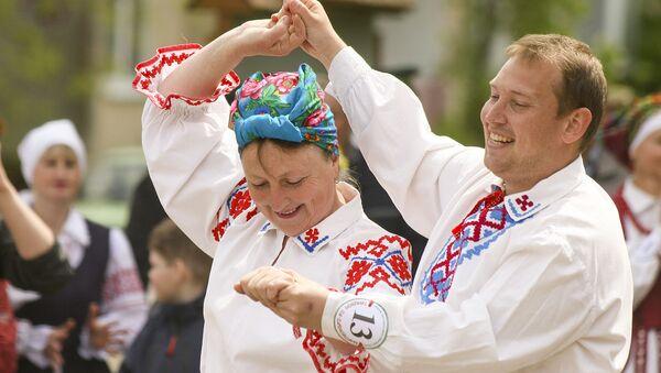 Фестываль-свята побытавых танцаў Танцуем па-даўнейшаму - Sputnik Беларусь