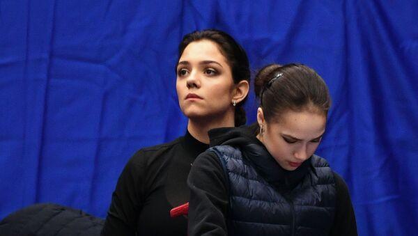 Российские фигуристки Алина Загитова и Евгения Медведева - Sputnik Беларусь