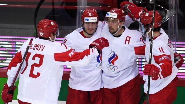 Игроки сборной России радуются заброшенной шайбе - Sputnik Беларусь