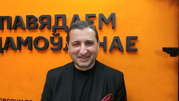 Политический эксперт, публицист, главный редактор немецкого интернет-журнала World Economy Александр Сосновский - Sputnik Беларусь