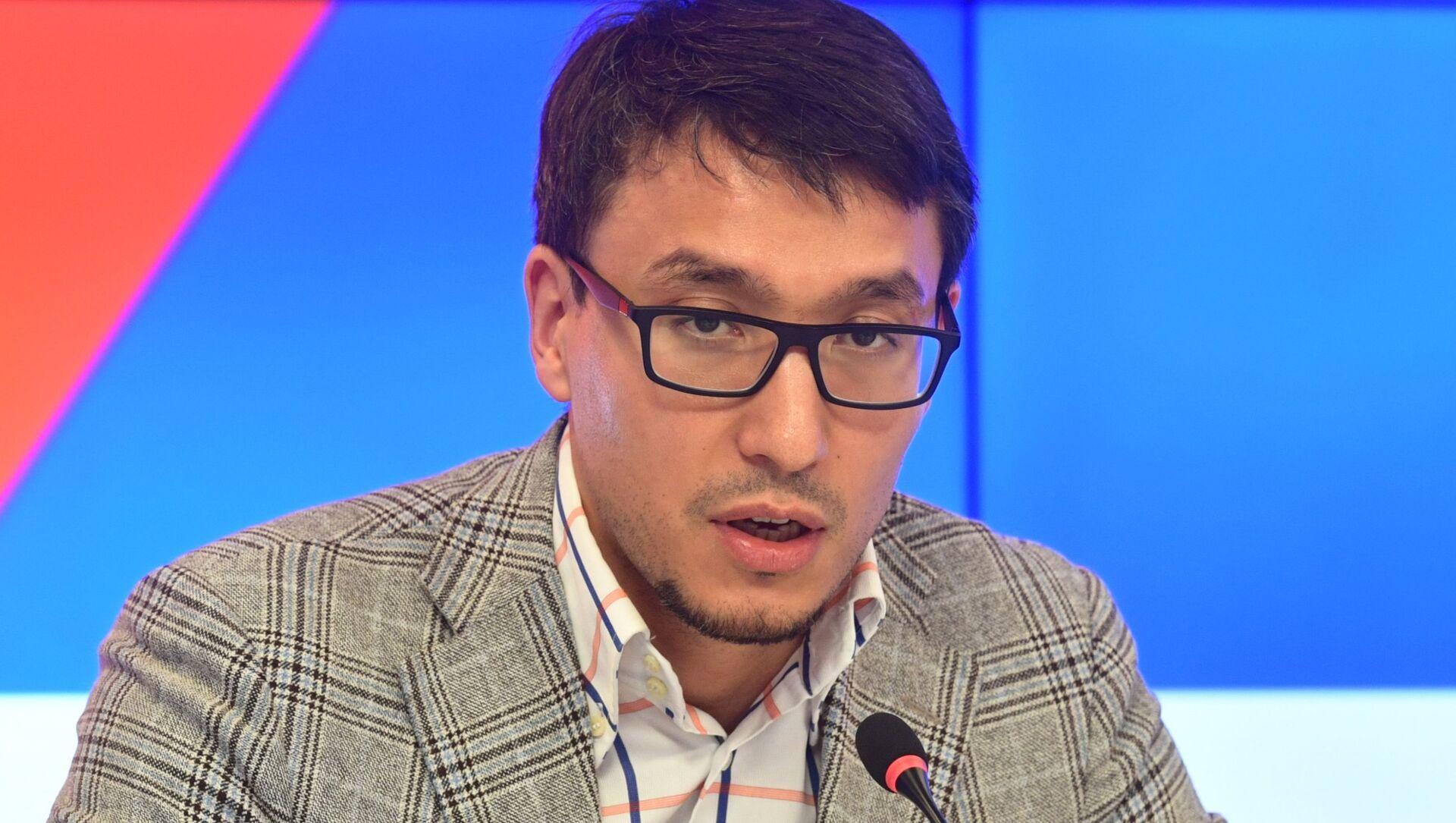 Политолог Дмитрий Абзалов - Sputnik Беларусь, 1920, 02.06.2021