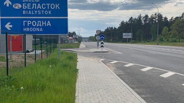 Через границу ездит все так же мало людей - в основном это водители грузовиков - Sputnik Беларусь