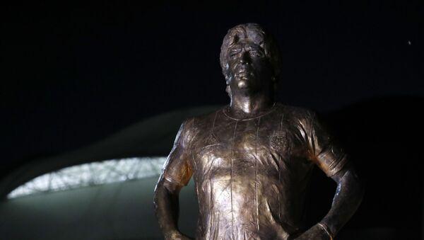 Статуя Диего Марадоны в Аргентине - Sputnik Беларусь