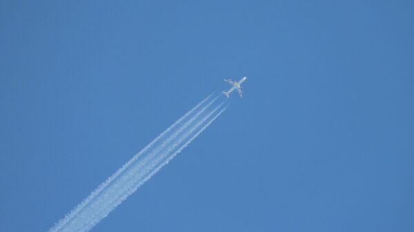 Самалёт у небе  - Sputnik Беларусь