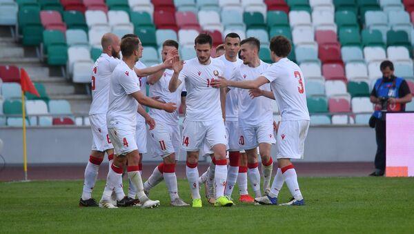 Футболисты национальной сборной Беларуси по футболу - Sputnik Беларусь