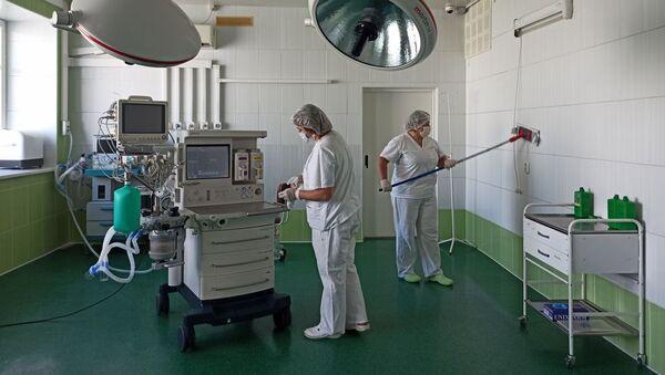 Дэзапрацоўка пачалася ў галоўным корпусе бальніцы - Sputnik Беларусь