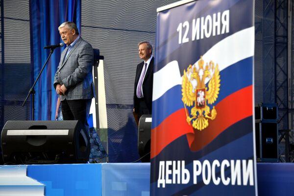 Пасол Расіі, адкрываючы канцэрт, пажадаў беларусам міра, дабра і працвітання. - Sputnik Беларусь