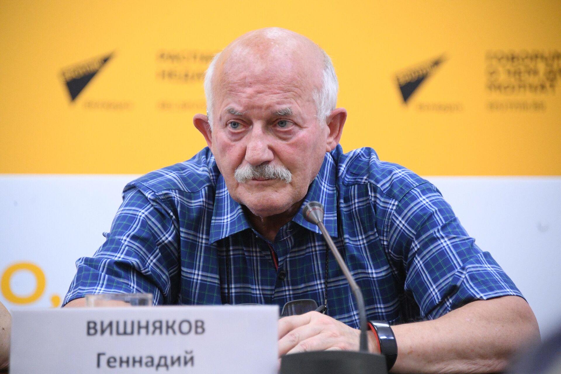 Старший тренер национальной команды по плаванию Геннадий Вишняков - Sputnik Беларусь, 1920, 29.06.2021