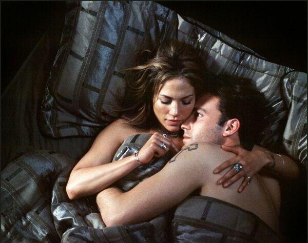 Джей Ло и Бен Аффлек познакомились на съемках фильма Джильи в 2002 году. А уже через несколько месяцев актер сделал своей возлюбленной предложение.  - Sputnik Беларусь