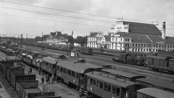 Железнодорожный вокзал г. Брест-Литовск, 1941-1943 гг. - Sputnik Беларусь