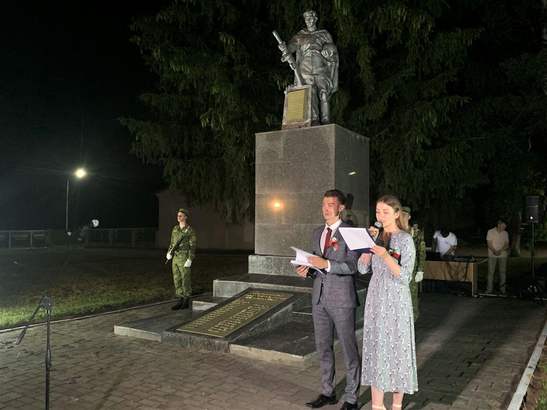 В 2 часа ночи митинг-реквием прошел на заставе имени Виктора Усова в 30 километрах от Гродно - Sputnik Беларусь, 1920, 29.06.2021