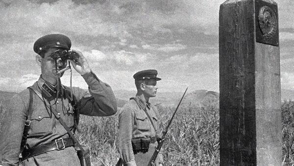 Советские пограничники, архивное фото - Sputnik Беларусь