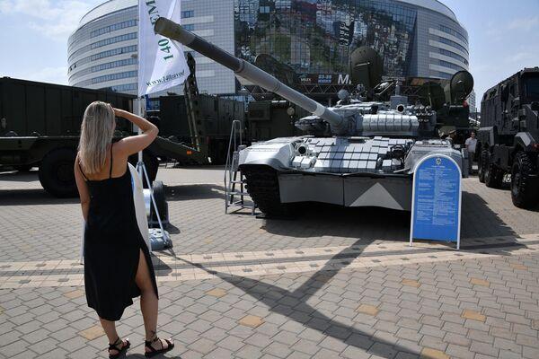 Танк Т-72БМЭ - Sputnik Беларусь